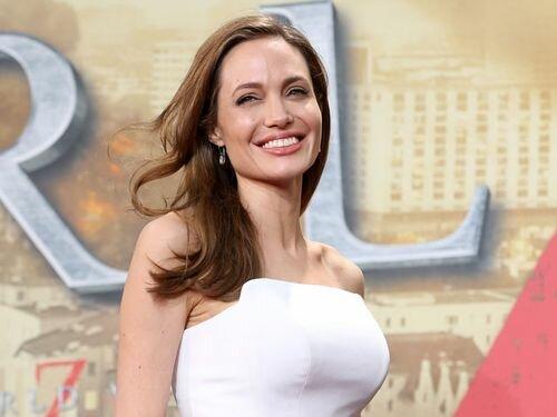 Фото Анджелины Джоли после операции 2013 года