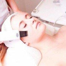 процедура чистки лица