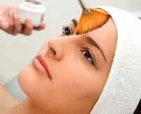 нанесение салициловой кислоты на кожу