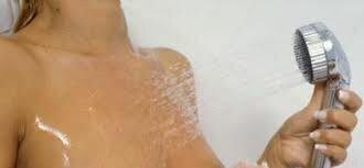 массаж груди водой