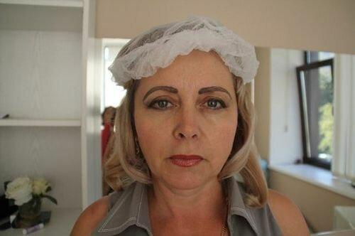 опущенные брови у женщины после перманентного макияжа